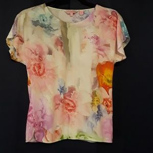 9056b0963e918 Ted Baker London Tops - Ted Baker London Suhle floral tee size 0